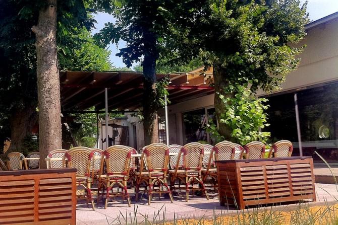 2013 - Blick auf die neue Terrasse des Restaurant Yachtclub