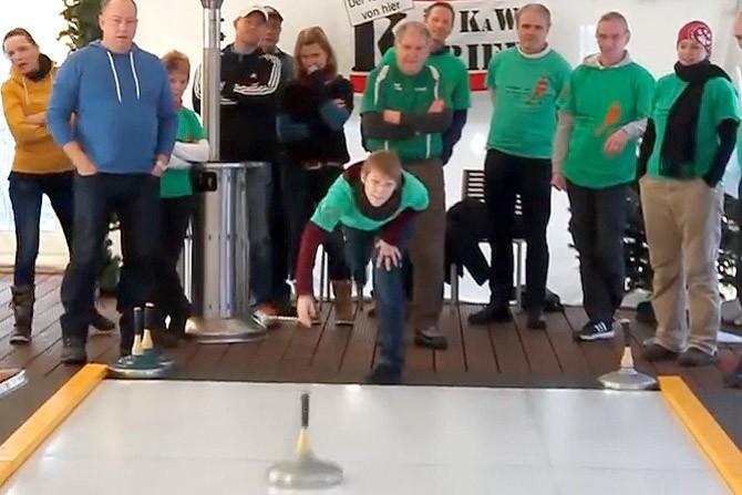 1. KaWe Kurier Cup im Eisstockschießen in der Eisstockarena des Teamgeist-Yachtclubs